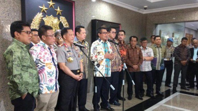 Kapolri Jenderal Pol Tito Karnavian dan Pansus Hak Angket KPK di Mabes Polri.