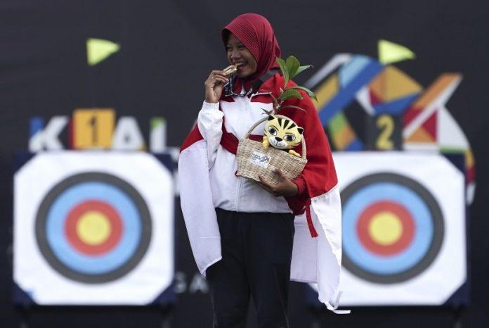 Pemanah Indonesia Diananda Choirunnisa Rebut Medali Emas