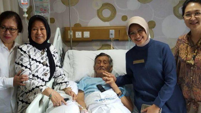 Mantan Gubernur Jawa Timur Basofi Sudirman