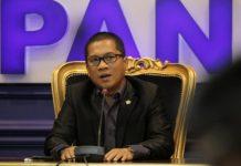 Sekretaris Fraksi PAN Yandri Susanto di Ruang Fraksi PAN,