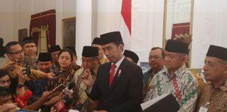 Jokowi saat menjelaskan isi Perpres tentang pendidikan penguatan karakter di Istana Kepresidenan