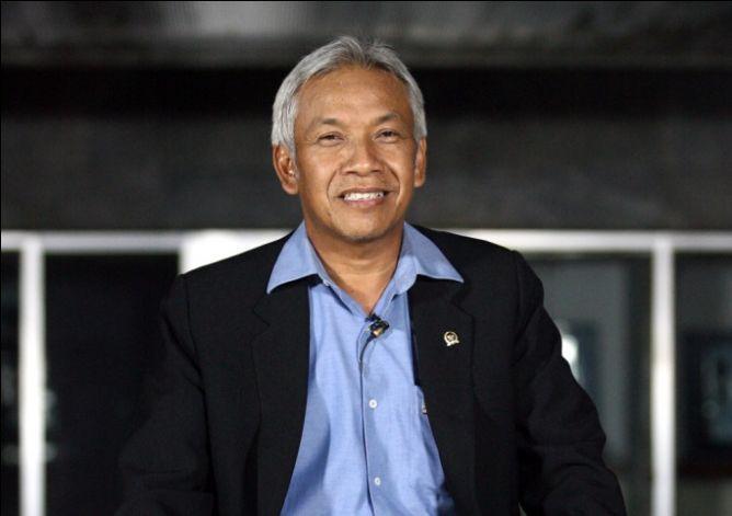 Wakil Ketua DPR Agus Hermanto.