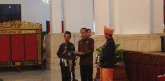 Joko Widodo Presiden dalam Konferensi Tenurial Reformasi Penguasaan Tanah dan Pengelolaan Hutan Indonesia Tahun 2017 di Istana Negara