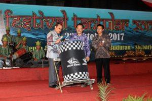Sekda Prov Jatim membuka Festival Tantular ke 72 dan di lanjutkan dengan pemukulan Beduk