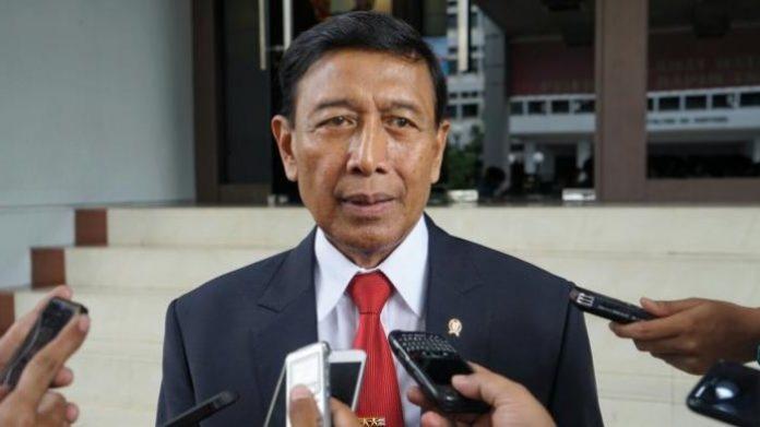 Menkopolhukam akan bertemua Kapolri dan Panglima TNI terkait isu pembelian senjata api