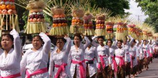 Umat Hindu Dharma di Bali merayakan Hari Raya Galungan.