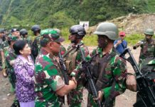 Panglima TNI Beri Penghargaan Prajurit yang Bebaskan Sandera di Papua