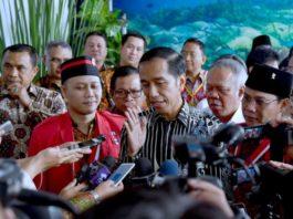 Presiden Jokowi menghadiri Pembukaan Kongres Trisakti Gerakan Mahasiswa Nasional Indonesia (GMNI) XX, pada Rabu, 15 November 2017, di Graha Gubernuran, Kota Manado, Provinsi Sulawesi Utara.