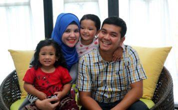 Indra Bekti dan Keluarga.