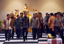 Presiden Joko Widodo memberi sambutan dalam rapat kerja Nasional (Rakernas) Perwakilan Umat Budha Indonesia (Walubi) di JIExpo Kemayoran, Jakarta, Kamis (26/10).