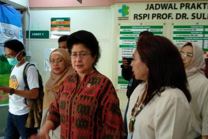 Menteri Kesehatan Nila F Moeloek
