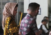 stri Setya Novanto, Deisti Astriani Tagor datang ke KPK untuk menjalani pemeriksaan