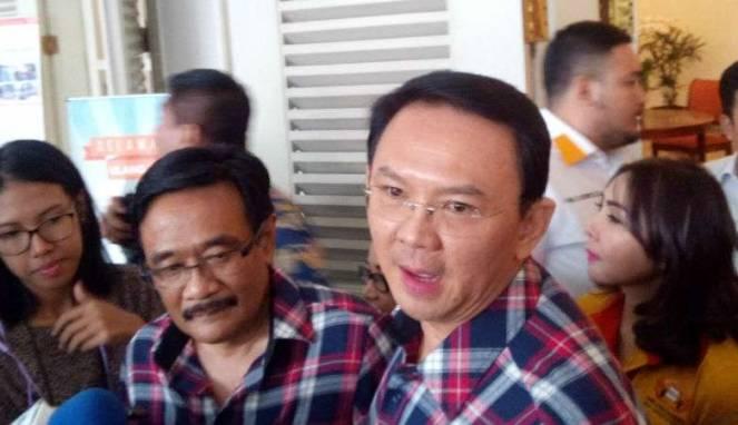 Djarot Saiful Hidayat (kiri) saat bersama Ahok (kanan).