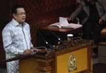 Ketua DPR Bambang Soesatyo berbicara dalam Sidang Paripurna di Senayan, Jakarta