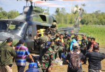 Proses Evakuasi Guru di Aroanop, Papua