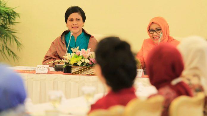 Ibu Negara Iriana Jokowi.