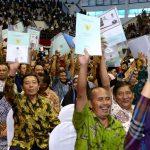 Begini Sertifikat tanah yang ada foto Jokowi yang ditunjukkan masyarakat di Sukabumi, Jawa Barat.