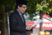 Wabup Jember Drs. KH Abdul Muqit Arief