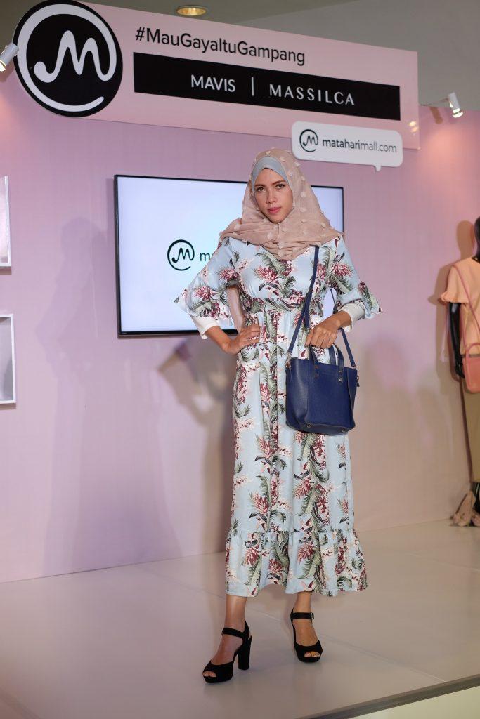 Koleksi eksklusif Mavis & Massilca dari MatahariMall.com menghadirkan koleksi Ramadhan untuk tampil gaya bagi siapa saja dan di kesempatan apa saja pada bulan Ramadhan.