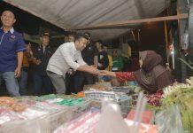 Datangi pasar emil dardak sahur bareng pedagang pasar