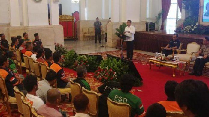 Suasana Saat Pertemuan Jokowi Dan Para pengemudi truk se Indonesia di Istana