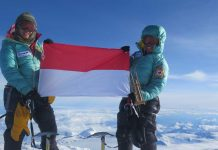 Dua Srikandi Indonesia di Puncak Everest