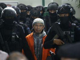 Terdakwa Kasus Terorisme Aman Abdurrahman Dikawal Polisi