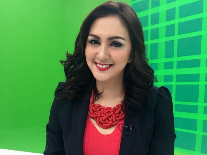 Presenter, Donna Agnesia