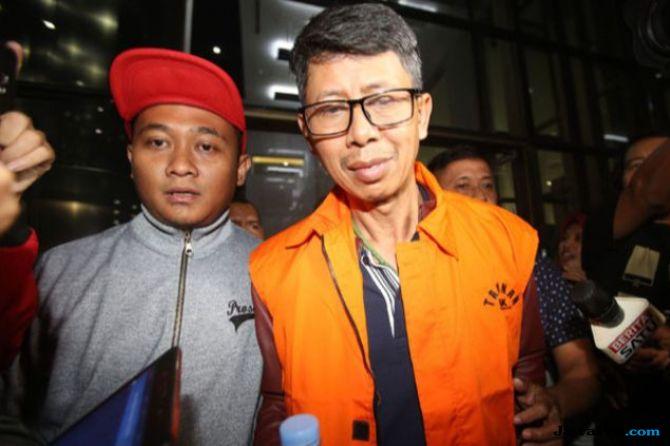 Kalapas Sukamiskin Wahid Husein resmi ditahan KPK sebagai tersangka kasus dugaan suap fasilitas napi di Lapas Sukamiskin, Sabtu, 21 Juli 2018.