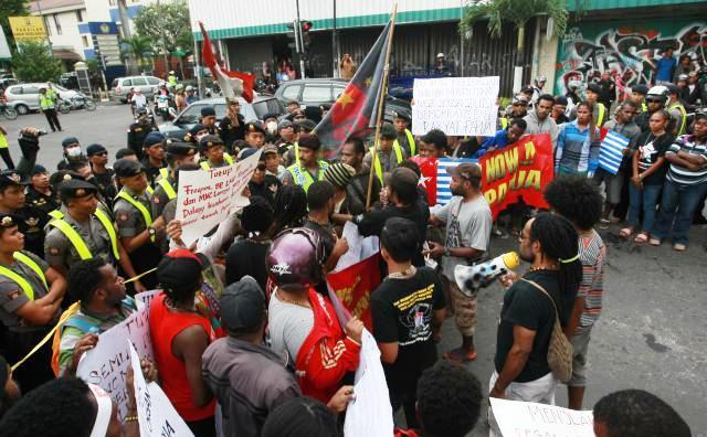 Mahasiswa Papua Demo