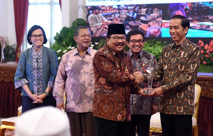 Pak De Karwo dan Presiden RI Jokowidodo