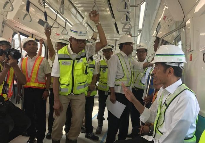Presiden Jokowi menjajal MRT Jakarta pertama kali