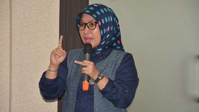 Ratna Dewi Pettalolo
