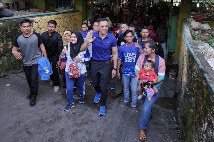 Agus Harimurti Yudhoyono tiba di Palu, Sulawesi Tengah.