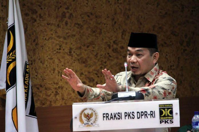 Ketua F-PKS Jazuli Juwaini.