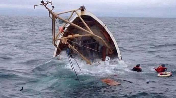 Kapal Tenggelam di Perairan Meranti.