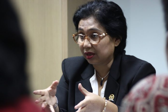 Irma Suryani Chaniago.