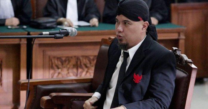 Ahmad Dhani.