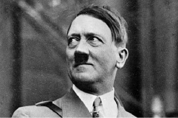 Pemimpin Partai Nazi Adolf Hitler.