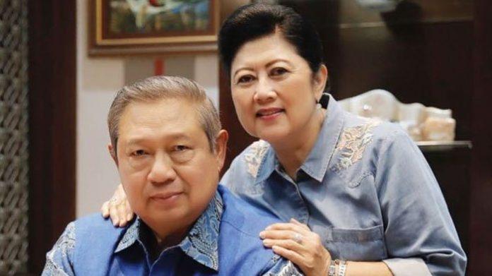 SBY dan Ani Yudhoyono.