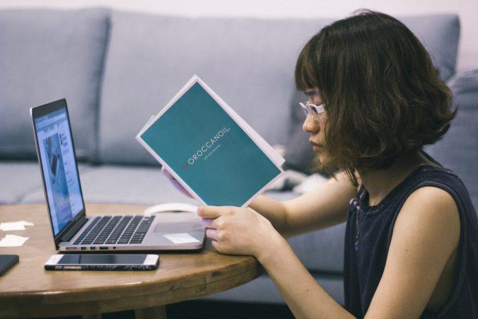 kuliah online ilustrasi