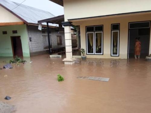 Banjir di Surabaya.