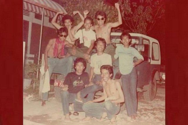 Viral Foto Jadul Jokowi Telanjang Dada.