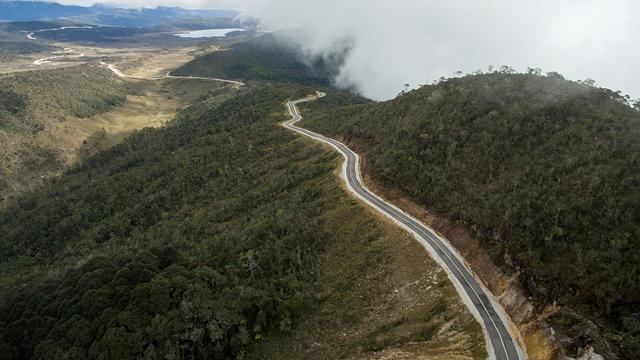 Jalur Trans Papua.