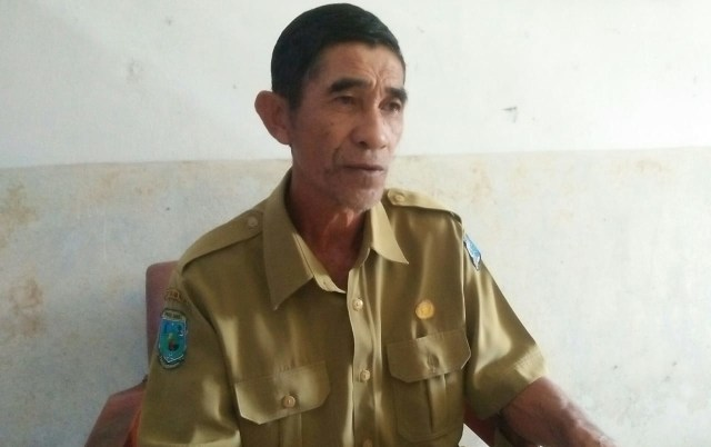 Kepala Sekolah SMPN 13 Yefman Barat, Iskandar Usman