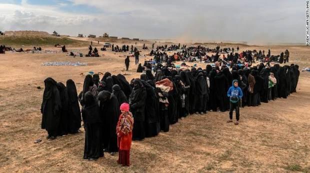 Di Suriah 1300 Militan ISIS dan Keluarganya Menyerah.