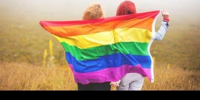 Hukum syariah Islam yang mencantumkan hukuman rajam hingga mati terhadap kaum homoseksual.