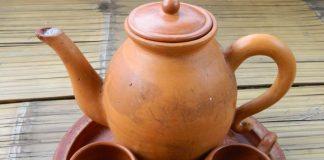Minum Teh Poci Sering disebut Dengan Istilah Moci.