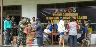 Kodim Sampit Bawa Bantuan Untuk Korban Banjir Katingan.