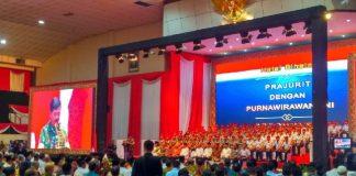 Panglima Tentara Nasional Indonesia Jenderal Hadi Tjahjanto saat memberi sambutan, di acara halal bihalal, di GOR Ahmad Yani, Mabes TNI, Cilangkap, Jakarta Timur.